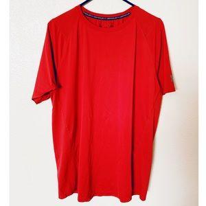 XL Men's Under Armour T-shirt